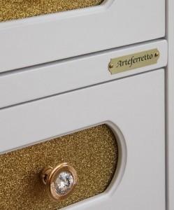 cassetto in glitterato oro con maniglieria Swarowski oro lucido