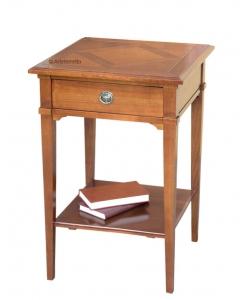 Tavolino in massello con piano a tasselli