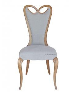 Sedia in stile schienale alto e imbottito