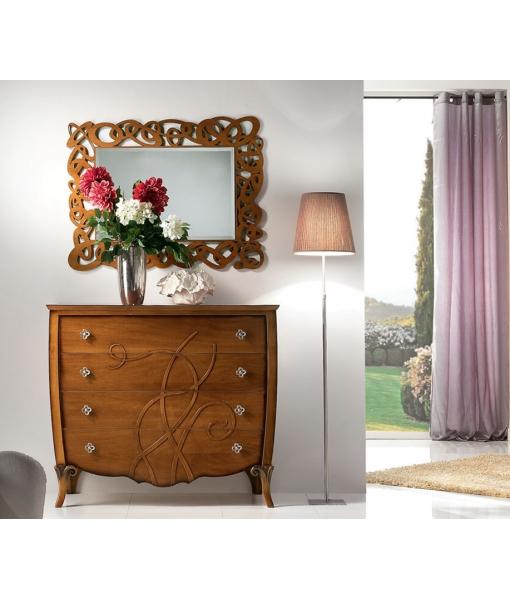 Comò per camera da letto in legno con decorazioni in rilievo