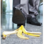 calpestare una buccia di banana