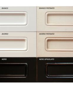 Tinte laccate: bianco, bianco patinato, avorio, avorio patinato, nero, nero spigolato
