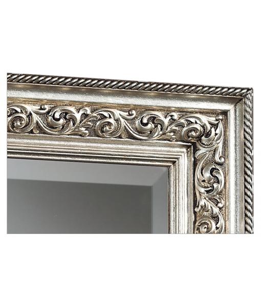 Dettaglio specchiera cornice con foglia argento