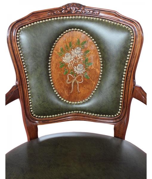 Dettaglio schienale sedia capotavola decorata a mano