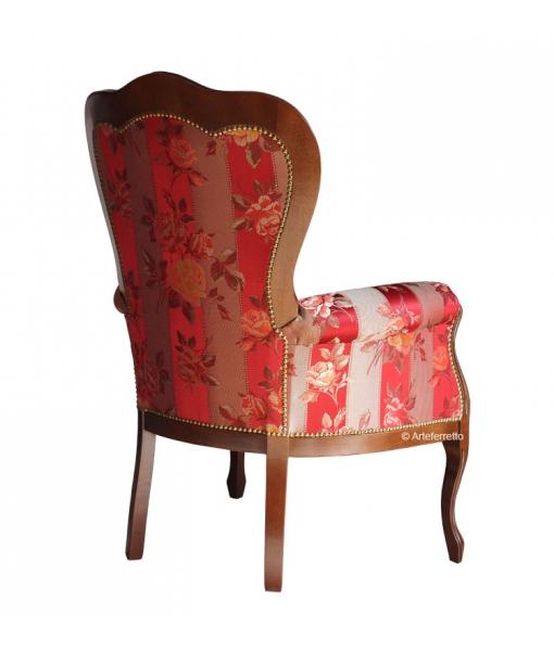 Poltrona classica con comodo schienale e seduta