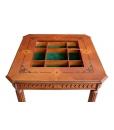Dettaglio contenitore del tavolo con scacchiera in legno da salotto