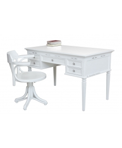Scrivania in legno laccata bianca con dettagli incisi argentati, in abbinamento alla sedia girevole