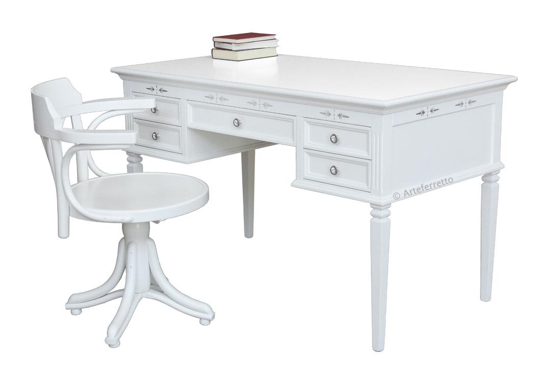 Scrivania e sedia quiet corner arteferretto for Coin tavoli