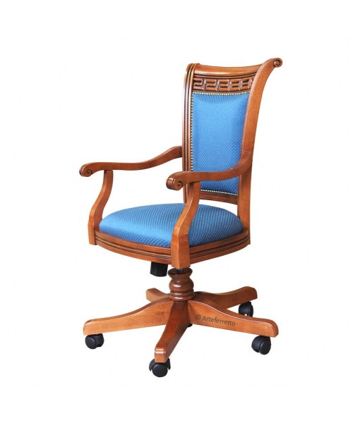 Poltrona in legno con tessuto blu di alta qualità, realizzata in Italia