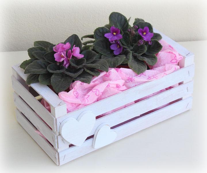 Contenitore per fiore e piante in stile Shabby Chic, da posizionare in giardino o sul balcone della cucina.