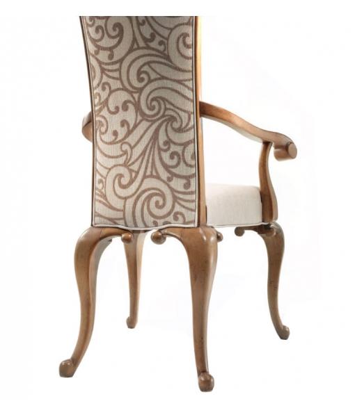 Elegante sedia imbottita in legno e tappezzata a mano