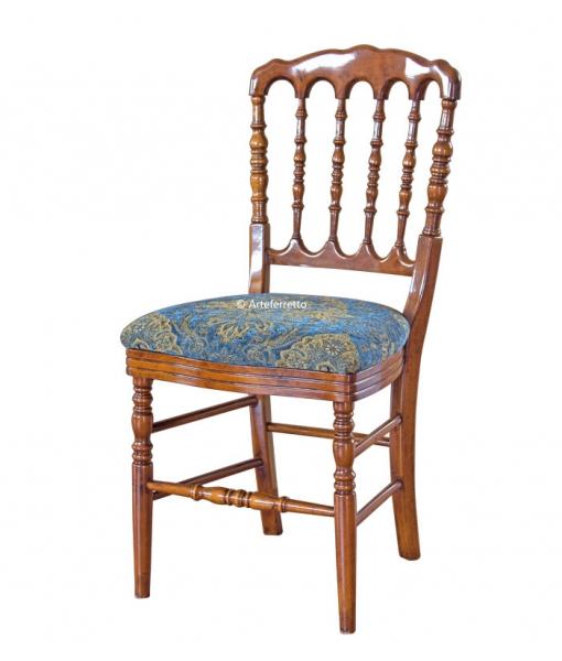 Sedia in legno gambe tornite di artigianato