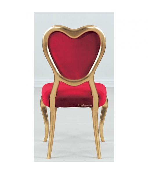 Sedia a cuore rosso e oro