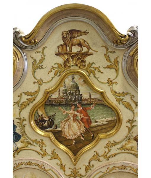 Dettaglio cresta dipinta trumeau in stile veneziano